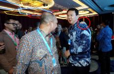 Ada Tangan Misterius Menumpang di Pundak Ahok - JPNN.com