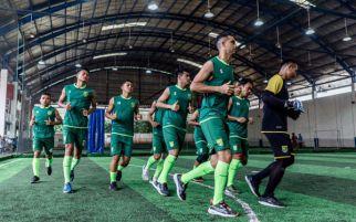 Persebaya Surabaya vs Bhayangkara FC: Tumbangkan!