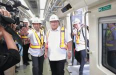 Uji Coba LRT Jabodebek, Pak Bambang Puji Kualitas Kereta Garapan PT INKA - JPNN.com