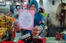 Gibran Rakabuming Kirim Paket Buat Ratusan Pedagang dan Tukang Becak di Pasar Gede - JPNN.com