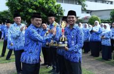 Mentan Syahrul Serahkan Penghargaan Abdibaktitani Kepada 47 UKPP - JPNN.com
