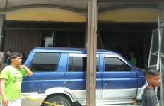 Mobil Tabrak Siswa SD dan Toko di Bogor, Satu Orang Tewas - JPNN.com