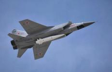Militer Rusia Bertebal Pertahanan di Kawasan Arktik - JPNN.com