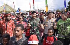 TNI dan Polri Akan Selalu Hadir Bersama Masyarakat - JPNN.com