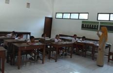 Jumlah Guru 3,36 Juta, Mayoritas Non-PNS termasuk Honorer - JPNN.com