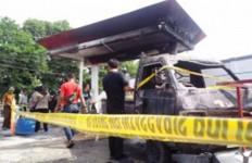 1 Mobil dan 3 Sepeda Motor Terbakar di SPBU, Sumber Api Terungkap - JPNN.com