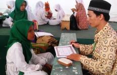 Pemerintah Menyiapkan Insentif per Bulan untuk Pelajar yang Hafal Alquran - JPNN.com