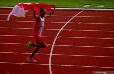 Lari Bawa Bendera Merah Putih, Agus Prayogo Raih Medali Emas untuk Indonesia - JPNN.com