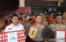 Siswa di Bogor Tepergok Sedang Berbuat Terlarang dalam Kelas - JPNN.com