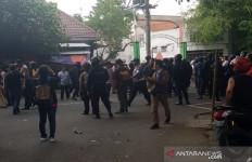 Bentrok Massa Dua Ormas Islam di Solo, Polisi Sigap - JPNN.com