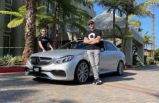 Menggunakan Mercedes-Benz E63, Tiga Pria Ini Butuh 27 Jam Keliling Amerika - JPNN.com
