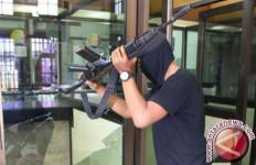 Dua Satpam Ditembak, Rampok Ubrak-abrik Kios Hp - JPNN.com