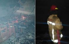SDN Petir 3 Bogor Terbakar, Empat Ruang Kelas Hangus - JPNN.com