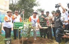 25 Juta Pohon Akan Ditanam di Lahan Kritis Seluruh Jabar - JPNN.com
