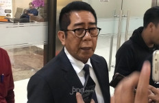 Lapor ke Bareskrim, Henry Yosodiningrat Sebut Rocky Gerung Sok Tahu - JPNN.com