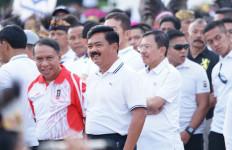 Panglima dan Ribuan Prajurit TNI Ikut Jalan Sehat Keluarga Indonesia 2019 - JPNN.com