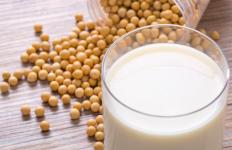 5 Manfaat Susu Kedelai Untuk Si Kecil - JPNN.com