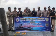 Bea Cukai Bengkalis dan Karantina Pertanian Pekanbaru Gelar Patroli Perairan Terpadu - JPNN.com