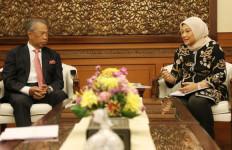 Indonesia-Malaysia Komitmen Tingkatkan Pelindungan Pekerja Migran - JPNN.com