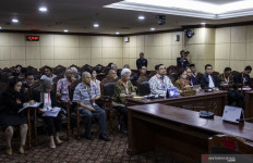 Nasihat Hakim Konstitusi Saldi Isra untuk Pimpinan KPK - JPNN.com