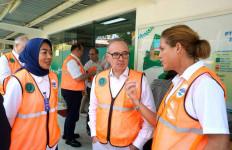 Duta Besar Prancis Kunjungi Pabrik Aqua di Ciherang - JPNN.com