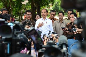 Pelantikan Wantimpres Tertunda Sejenak, Ada Calon Belum Datang - JPNN.com
