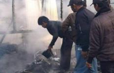 Rumah Semi Permanen Terbakar, Ibu dan Anak Tewas Terpanggang - JPNN.com