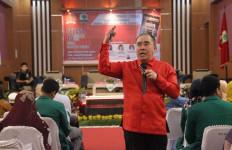 Donny Moenek Jadi Pembicara Diskusi Literasi Syarat Makna di Kampus Unand Padang - JPNN.com