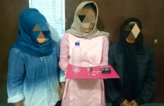 Tiga Perempuan Berjilbab di Aceh Tertangkap Ikut Pesta Sabu-sabu - JPNN.com
