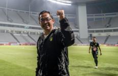 Soal Persebaya Taklukkan Arema FC 4-2, Aji Santoso Jujur Bilang Begini - JPNN.com