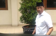 Jelang Pelantikan Wantimpres, Pak Wiranto Jumatan di Kemenko Polhukam - JPNN.com