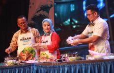 Gerakan Makan Ikan, Edhy Prabowo Masak Menu Khas Manado - JPNN.com
