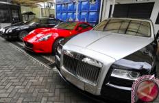 Selain Menunggak Pajak, Mobil Mewah di Indonesia juga Banyak Tanpa Surat Legal - JPNN.com