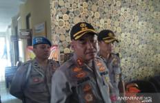 Jelang Natal, Polisi Berpakaian Preman Jaga Gereja - JPNN.com