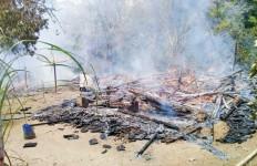 Pasutri Alami Luka Bakar saat Kobaran Api Menghanguskan Bangunan Rumah - JPNN.com