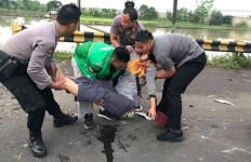 Bruk, Tiga Motor Tabrakan Beruntun saat Kapolres Serang Melintas - JPNN.com