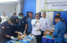 BNNP Sulsel Sergap 3 IRT saat Bawa Sabu-sabu 3,7 Kg dari Malaysia - JPNN.com