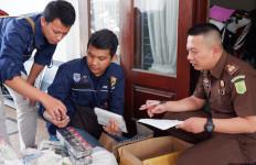 Bea Cukai Jawa Timur II Limpahkan Perkara Rokok Ilegal ke Kejaksaan - JPNN.com