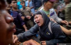 Polda Jabar Garap 62 Personel Terkait Ricuh Penggusuran di Tamansari - JPNN.com