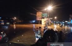 Kabupaten Bandung Terendam Banjir, Belasan Kepala Keluarga Mengungsi - JPNN.com