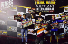 3 Rider asal Prancis Sukses Naik Podium Pertama di Kelas FFA 450 - JPNN.com