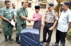 Pesantren di Garut Serahkan Burung Cendrawasih ke BKSDA - JPNN.com