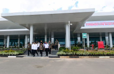Jokowi Kagum Lihat Terminal Baru Bandara Internasional Syamsudin Noor - JPNN.com