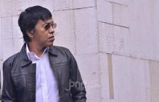 Menurut Adian Napitupulu, Andre Rosiade Memang Beda, PSK pun Diawasi - JPNN.com