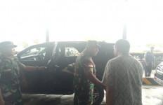 Jenazah Dua Prajurit TNI yang Gugur di Papua Diterbangkan ke Medan dan Jakarta - JPNN.com