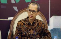 Siapa Menteri Bakal Kena Reshuffle? Ujang Berani Menyebut Nama - JPNN.com