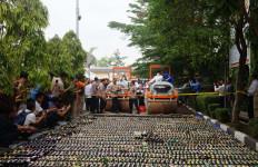 Selama Ramadan, 14.835 Botol Miras Digagalkan Peredarannya - JPNN.com