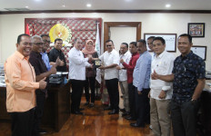 Harapan Sekjen DPD RI Saat Menerima Delegasi DPRD Tanah Datar - JPNN.com