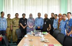 Senator Amaliah Ajak Masyarakat Sumsel Peduli Lingkungan - JPNN.com