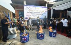 Bea Cukai Amankan 6 Mesin Produksi Rokok Ilegal - JPNN.com